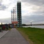 Rheinorange im Käfig